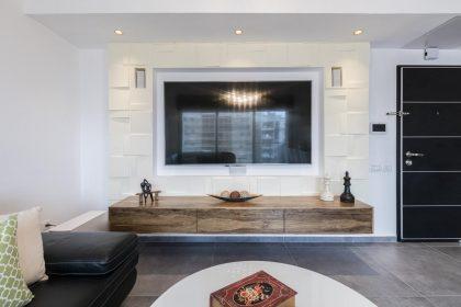 דירת משפחה ברעננה- סלון ומרפסת